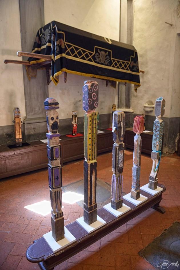 Mostra filippo biagioli dalla terra degli spiriti alla terra delle origini arte tribale a serravalle pistoiese foto di luca bertinotti